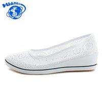 enfermeiras sapatos preto venda por atacado-Huanqiu 2018 New lona Enfermeira Calçados Sólidos Mulheres Plataforma Casual Shoes Mulheres fundo plano sapatos Feminino Mulheres Branco Preto
