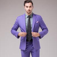 traje de novio lila al por mayor-De alta calidad de un botón de color lila Novio Esmoquin Muesca Solapa Padrino de boda Hombres Trajes de boda Novio (Chaqueta + Pantalones + Chaleco)