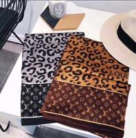 bufandas de marca de china al por mayor-Primavera y verano nuevo chino nuevo ambiente cálido clase de clase diseñador de la marca bufanda al aire libre y chal playa libre enviar 180 * 90 cm