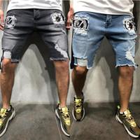 ingrosso blue jeans da uomo logo-Jeans da uomo lavato in estate Jeans corti da uomo in denim blu con logo distintivo Pantaloni da uomo