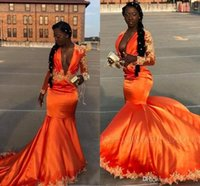 ingrosso abiti arancioni neri-2019 Black Girls Orange Prom Dresses Maniche lunghe vintage arabo africana sexy scollo a V profondo abiti da sera applique Sweep Train BC1058