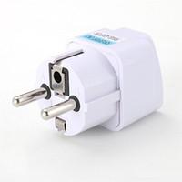 adaptadores elétricos universais venda por atacado-Universal 2 Pinos AC Power Adapter Plug Power Carregador de Viagem Elétrica UK / EUA / AU Para UE Tomada Adaptador de Tomada