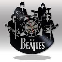 beatles dekor toptan satış-Beatles El Yapımı Vinil Rekor Duvar Saati - Ev odası duvar dekoru - Yetişkinler için hediye fikirleri, gençler, anne - Benzersiz Sanat Tasarım