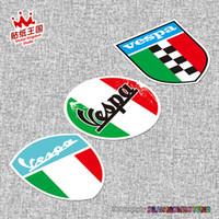 vespa kaskları toptan satış-PIAGGIO Vespa 946 GTS250 300 SPRINT PRIMAVERA 150 LX125 Italia Bayrak kask Motosiklet Motosiklet Etiket Plaka su geçirmez 20 için