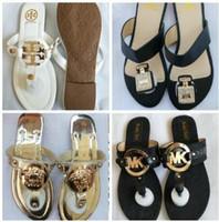 ingrosso grandi scarpe da marca di marca-Hot Sandali da donna di marca di grandi dimensioni Designer Shoes Sandali di infradito di lusso Estate Fashion Wide Flat Slippery con sandali Slipper infradito