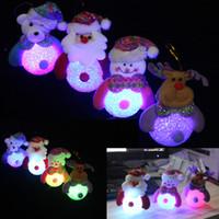 árvore de natal iluminada do brinquedo venda por atacado-Luz de ornamento de natal com led boneco de neve do natal do pai dos cervos urso noite luz crianças brinquedos presentes de natal árvore luzes pingente 0601864