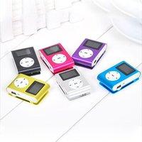 mini tarjetas sd 4 gb al por mayor-Reproductor de MP3 con mini clip con pantalla LCD Cable USB Soporte para tarjeta Micro SD Soporte para tarjeta de 2GB 4GB 8GB 16GB 32GB 32GB TF reproductor de MP3