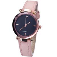 einfache uhren für mädchen großhandel-Damen Luxus Strass Uhren Frauen Persönlichkeit Romantische Armbanduhr Mädchen Einfache Lässige PU Lederband Quarzuhr