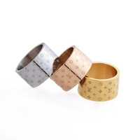 Wholesale fashion ring designs resale online - Fashion Unisex Women Luxury Design V Letter Simple Square Print Four Leaf Flower Ring K Gold Luxury Designer Jewelry For Wedding Gifts
