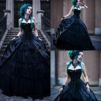 espartilhos pretos do casamento venda por atacado-New Vintage preto vitoriano gótico vestidos de casamento espartilho vampiros sem alças do punk país vestido de noiva plus size más rainhas vestidos de noiva
