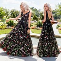 klassische königliche kleider großhandel-Frauen arbeiten backless Abschlussballkleid-elegantes V-Ansatz Sleeveless Stickerei-Halter-langes Maxi Kleider Abschlussball-Party-Kleid-Abendkleid um