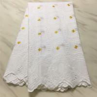 vestido de encaje de algodón blanco al por mayor-Blanco suizo africano Voile Lace con agujeros Emboridery encaje de algodón tejido suizo para mujeres vestido 7 yardas