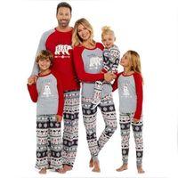 traje de niños oso al por mayor-Conjuntos de pijamas navideños para la familia 2019 Nuevo Traje a juego con la familia Madre Padre Ropa para niños Oso Impreso Pijamas Disfraces Navidad para niños Ropa de dormir