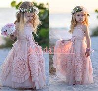 halter tül küçük kız elbisesi elbise toptan satış-Prenses A-Line Halter Pembe Tül Çiçek Kız Elbise ile Ruffles Çiçekler Küçük Çocuklar Örgün Doğum Günü Elbise Çocuk Kutsal Kızlar Pageant Elbise