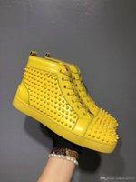 zapatillas altas amarillas al por mayor-Prefiero regalo de cumpleaños - Spikes partido de lujo Red Bottom zapatilla de deporte planos de las mujeres de los hombres del top del alto de cuero con cordones amarillo boda manera ocasional