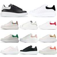 sapatos de esporte de couro branco venda por atacado-Alexander McQueen  Designer de Calçados Casuais Balck Vermelho Branco Moda de Luxo Das Mulheres Dos Homens Tênis de Couro Sapatos Casuais Runner Formadores Calçados Esportivos