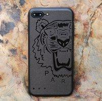 couverture 3d batman achat en gros de-YunRT 3D Touch Case Pour IPhone X 8 7 6 S Plus XS MAX XR Souple Silicone Relief Cas Pour iPhone 7 8 Plus 6 S Couverture Superman Batman