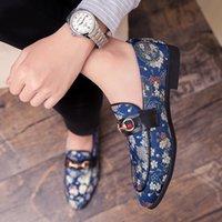 estilos do vestido para homens formal venda por atacado-Sapatos De Couro Bordado Colorido dos homens 2019 Estilo De Luxo Vestido Formal Sapatos De Casamento Estilo Britânico Escritório de Negócios