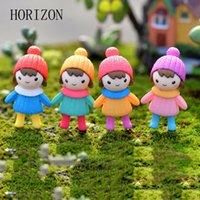 niedliche hochzeit handwerk großhandel-Ecoration Handwerk Figuren Miniaturen 4 STÜCKE Nette Mini Figuren Miniatur Mädchen Puppe Harz Handwerk Ornament Fee Gartenzwerge Moos Terrari ...