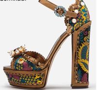 sandalias marrones peep toe al por mayor-Brown mujeres de seda de la vendimia de las sandalias del dedo del pie del pío de la decoración de la hebilla del tobillo tachonado Perlas de cristal gruesos zapatos de tacón alto de impresión Flores mujer sandalias