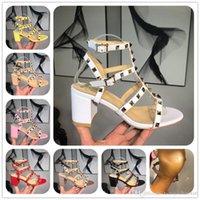 renkli sandaletler toptan satış-Tasarımcı Sandalet Tasarımcı Kadınlar Renkli Topuklu Sandalet En Kaliteli T-kayışı ile Yüksek topuklu Pompalar Bayanlar Elbise Tek Ayakkabı kutusu