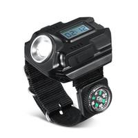 estilo de linterna al por mayor-Estilo de mano al aire libre Lámparas de reloj Color negro Luces de antorcha de carga USB Luz de muñeca con brújula Linternas de plástico 3qtE1