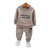 çocuklar moda eşofman toptan satış-İlkbahar Sonbahar Erkek Bebek Kız Elbise Moda Çocuk T-shirt Pantolon 2 adet / takım Toddler Pamuk Takım Elbise Çocuk Giyim Seti Bebek Karikatür Eşofman