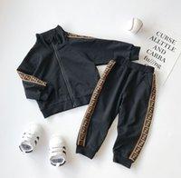 bebek çocukları boş zamanları toptan satış-Bahar Bebek 2adet / Çocuk Eğlence Spor Suit Bebek Giyim ayarlar Casual Eşofman Çocuk Boy Kız Pamuk Fermuar Ceket Pantolon set