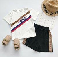 çocuklar için moda toptan satış-Çocuklar Tasarımcı Iki Parçalı Set 2019 Lüks Mektup FF Giyim Takım Elbise Moda Baskı Eşofman Çocuk Trendy T Gömlek + Şort Sıcak Satış 2019 Yeni