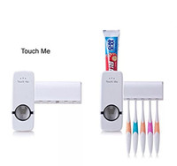 portaescobillas conjuntos de pasta de dientes al por mayor-Dispensador automático de pasta de dientes con soporte para cepillo de dientes de montaje en pared Exprimidor de pasta de dientes con 5 cepillos Set Dispensador de pasta de dientes manos libres para niños