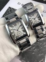 ingrosso progettista bianco orologi per uomo-New Fashion Uomo Donna Luxury Watch Tank Designer Movimento al quarzo Orologi Acciaio inossidabile Quadrante bianco e nero Coppia Amanti regalo Orologio