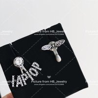 arı arıları toptan satış-kutusuyla Gelin için bayan Tasarım Kadınlar Partisi Düğün Aşıklar hediye Lüks Takı için pullar moda marka mektup arı tasarımcı küpe var
