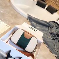 nuevos bolsos de moda al por mayor-Lujo clásico 2019 Nueva bolsa con cámara con cremallera bolsos de diseño Bolsa de mensajero Cuero genuino Grano de piel de cerdo pequeño Bromista de moda