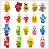 bofetadas para niños al por mayor-Historieta de los niños 3D de la palmada relojes de los niños del bebé reloj de la palmada de Estudiantes de pulsera regalo pulsera de silicona pulsera de la jalea del color Deportes relojes E1803