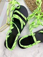 ingrosso banda n-New Summer Sandali a nastro artigianali High-end Designer Scarpe da spiaggia da donna Classiche scarpe antiscivolo e suola piatta Scarpe originali