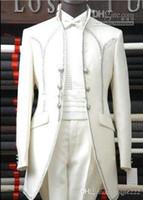 smoking de baile branco venda por atacado-New Custom Made Branco Noivo Smoking Padrinhos Homens Blazer de Baile Roupas de Casamento Ternos de Negócios (Jaqueta + Calça + Cinto + Gravata) 263