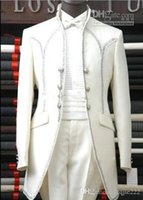 ingrosso abiti da sposo-Nuovi smoking da sposo bianchi personalizzati Groomsmen da uomo Prom Blazer Abiti da sposa Abiti da lavoro (giacca + pantaloni + cintura + cravatta) 263