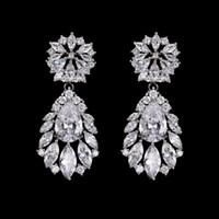 gelin gözyaşı damlası küpesi toptan satış-Gümüş Çiçekler Rhinestone Kristal Gelin Küpe Gül Altın Düğün Gözyaşı Lüks Nedime Küpe Takı Gelin Aksesuarları Damlalar