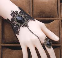 pulseras de metal de encaje negro al por mayor-Pulsera de encaje negro Dedo arnés de cadena de mano Pulsera de mujer Encanto de cristal de metal Steampunk Lady Vintage Jewelry