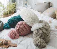 almohadas de tiro redondo al por mayor-Almohada Kintted Suave Cojín Cómodo Forma de Caramelo Cojín Creativo Almohada Decorativa Decoración Del Hogar Forma Redonda