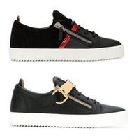 erkekler için burunlu ayakkabı toptan satış-SICAK İtalya Fermuar rahat ayakkabı erkekler Bayan Perçin metal toka Marka Düşük Üst Düz ayakkabı Gerçek Deri Erkek Ayakkabı Tasarımcısı Sneakers 35-47