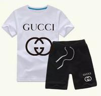ingrosso vestiti di marca bebe-T-shirt e pantaloncini di marca per bebè e ragazzi Tute per neonato Tute per bambini Set di vestiti caldi Vendita calda Estate 2T-7T per bambini