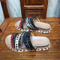 ingrosso tessuto kaki per la vendita-pelle tessuto 2019 scarpe da uomo di marca di modo importato impreziosito da elementi rivetto pantofole degli uomini speciali moda di scarpe Beach