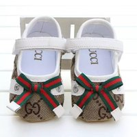 sapatas do caminhante do bebê primeiro anti deslize venda por atacado-New Baby Girl Shoes Cute Princesa Bowknot Kid Anti-derrapante Em Sapatos 0-18 Meses da criança Berço Gancho Loop Primeiro Walkers