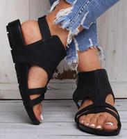 sandalias planas de hebilla de cinturón al por mayor-Glittery2019 Popular2019 Bottom Flat Belt Buckle Rome Sandals 40-43 Will Code Zapatos de mujer