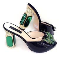 robes longues décorées achat en gros de-Les femmes noires de haute qualité habillent les chaussures avec le beau cristal décorent les pompes africaines de dame V218-2, talon 12CM