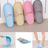 zapatos de una sola vez al por mayor-Zapatillas de hotel desechables de 8 estilos SPA Zapatos de invitado para el hogar Zapatillas de algodón de lino de algodón antideslizantes suaves y transpirables cómodas Zapatillas de una sola vez 2pcs / lot FFA2671