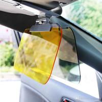 güneş gölge araba ücretsiz gönderim toptan satış-Gündüz Gece Karşıtı yansimasiz Araba Güneşlik HD kamaştırıcı Gözlükler Sürüş Ayna UV Clear View Visor Flip Aşağı HD katlayın
