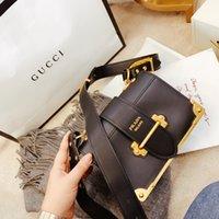 кожаная сумка из плеча оптовых-2020 Марка моды рынк реальный кожаный классический PRD Micro Cahier Saffiano сумки плеча мешки перекинул сумки Роскошные дизайнерские Crossbody сумки