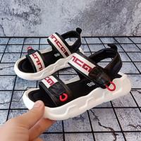 marcas coreanas para crianças venda por atacado-Sandálias garoto 2019 novo verão Coreano couro Genuíno fundo macio ocasional sapatos de praia das crianças antiderrapantes meninas esporte plana marca designer de sandália